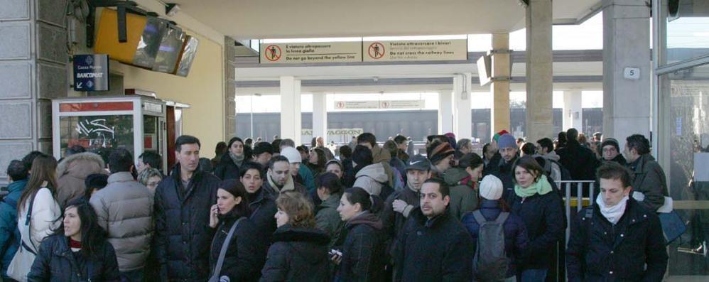 Treni, sciopero fino alle 17 E soliti ritardi per Milano