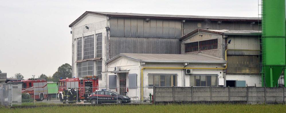 Esplosione in azienda a Treviglio Un 43enne si frattura il femore