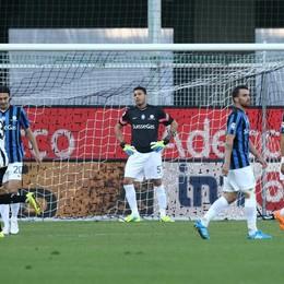 Lo scoramento dell'Atalanta dopo l'1-0