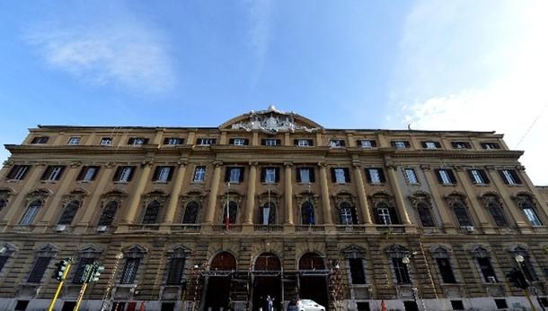 Italia,taglio debito con privatizzazioni