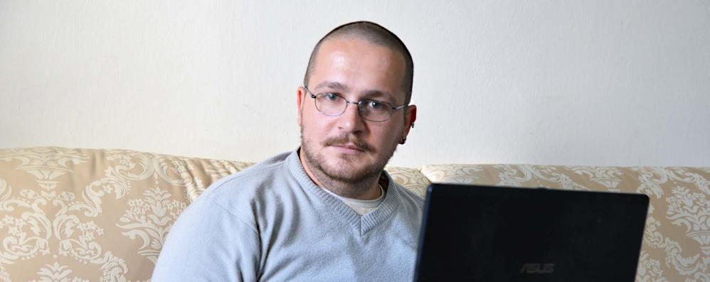 Disoccupato punta su Facebook «Sono Igor, un uomo in affitto»