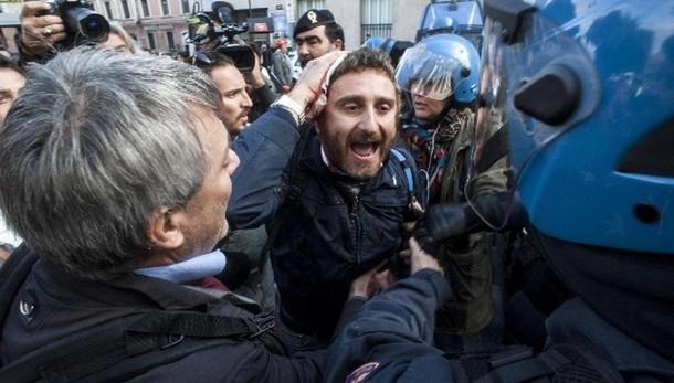Ast: Renzi, verifiche e atti conseguenti