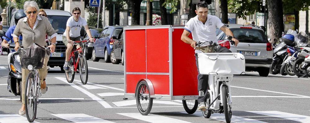 Le consegne si fanno in bicicletta Bergamo all'avanguardia in Italia