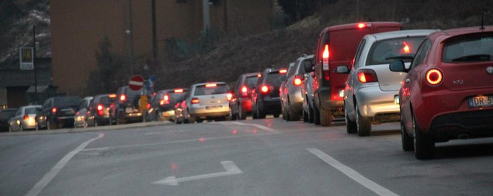 Bergamo, avanti a 35,5 km/ora Al volante per 1 ora e 20 al giorno