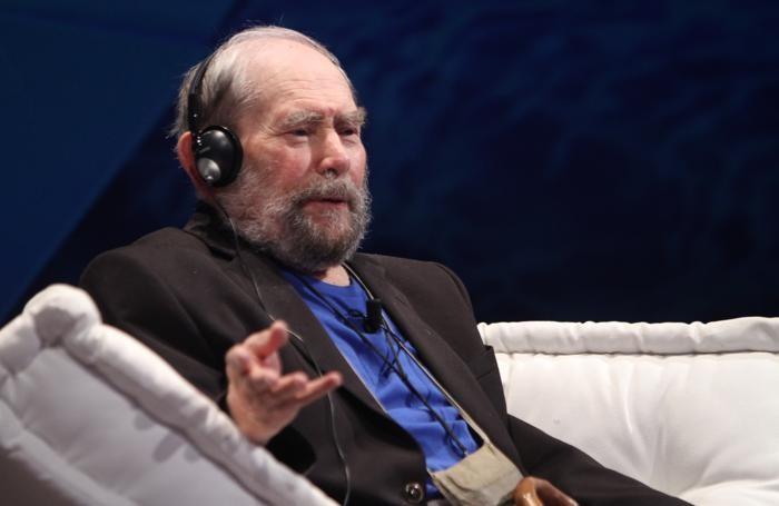Il premio Nobel Sydney Brenner venerdì 3 ottobre al Teatro Sociale
