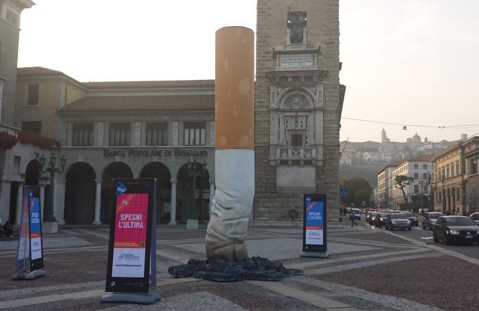 Piazza Vittorio Veneto e il mozzicone gigante
