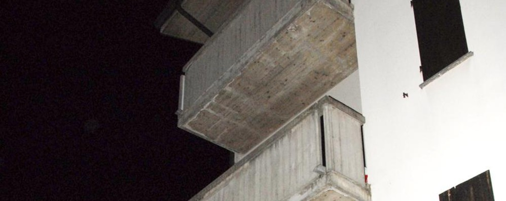 Cade da 12 metri, ancora grave Albanese di 21 anni il ladro di Mapello