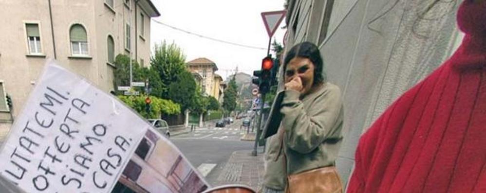 Caravaggio dice stop ai mendicanti Chiedi elemosina? Soldi sequestrati