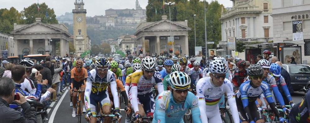 Giro di Lombardia e Gp L'Eco Domenica tre blocchi al traffico