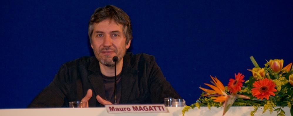 Il sociologo Magatti al teatro Sociale Cosa c'è di veramente necessario?