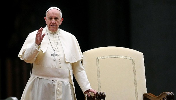 Papa, Sinodo ascolti angosce d'oggi