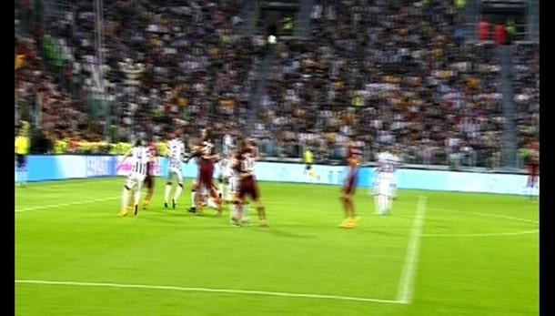 Juve-Roma: Cicchito, no ostacoli moviola