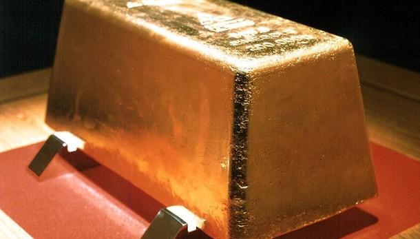 Oro: in calo a 1.183,24 dollari