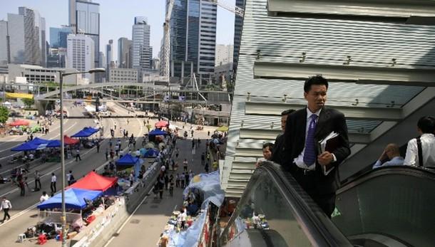 Prove di dialogo a Hong Kong