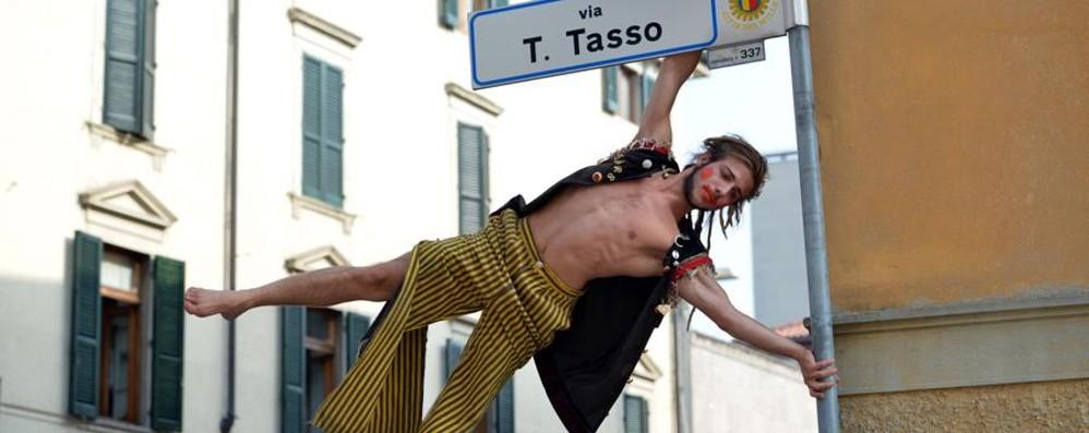 Bergamo Musica Festival veste le vetrine di via Tasso