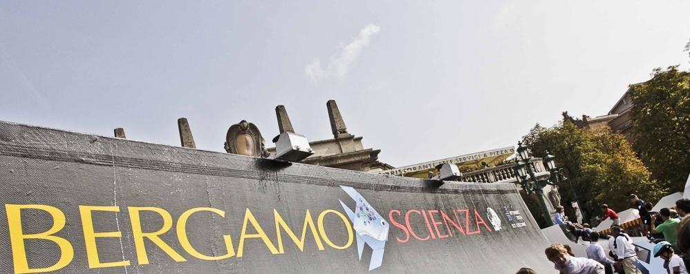 «Sale in scena» a BergamoScienza Clinica Castelli educa con il  teatro