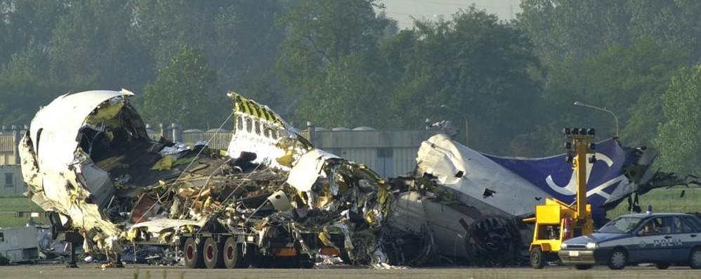 La tragedia di Linate, 13 anni dopo «Si pensa al profitto e non alla sicurezza»