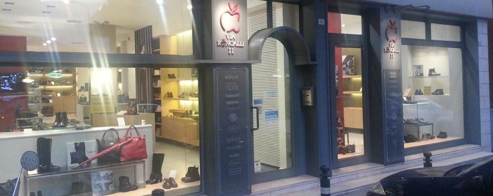 Gazzaniga, raid in un negozio Razziate decine di borse e scarpe