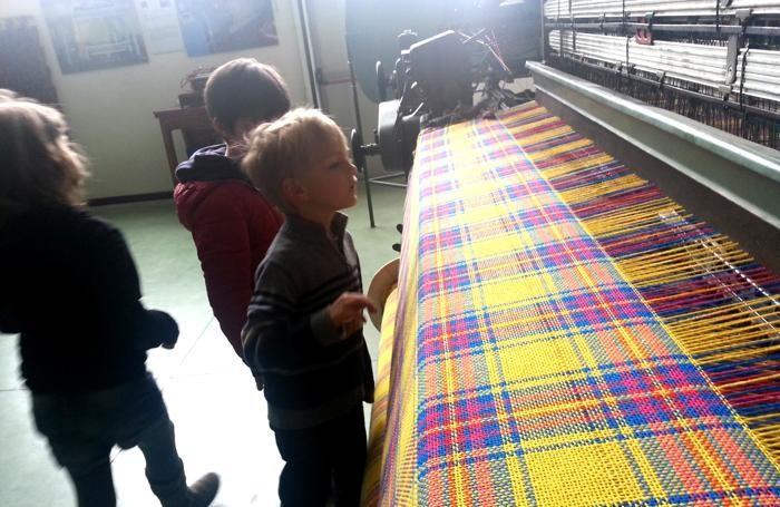 Una sala del museo del tessile di Leffe