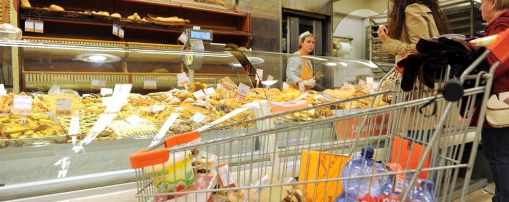 Prezzi al consumo: -0,1, in aumento Succhi di frutta e verdura +2,6%