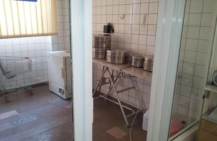 Ecco come è ora la sala operatoria del'ospedale di Yerevan. Nell'altra foto come diventerà la sala