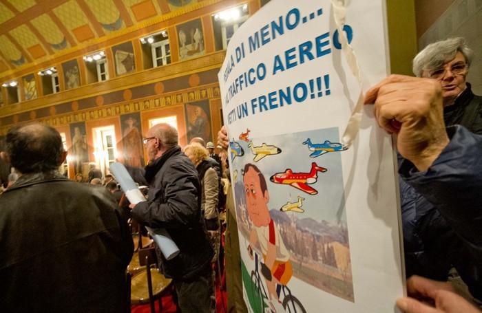 La protesa a Palazzo Frizzoni