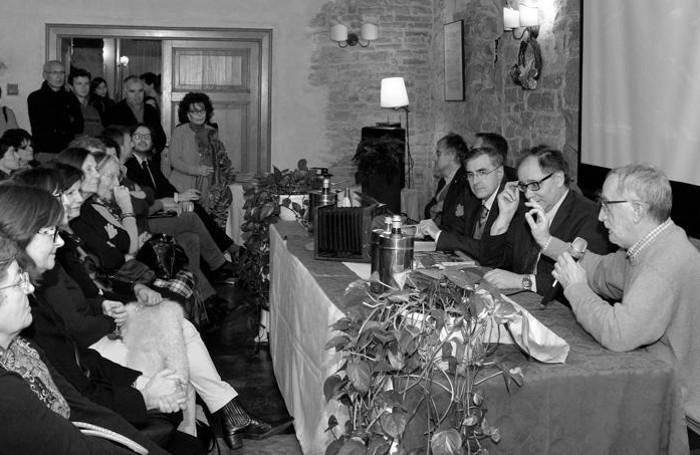 Un momento della serata della scorsa presentazione: da destra Pino Cappellini, Giorgio Gandola e Claudio Calzana