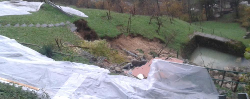 «Maltempo, attenzione ai corsi d'acqua» Smottamenti a Santa Brigida