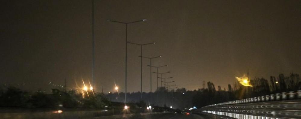 Spegnimento delle luci sulle strade «Vantaggi risibili, riaccendetele»