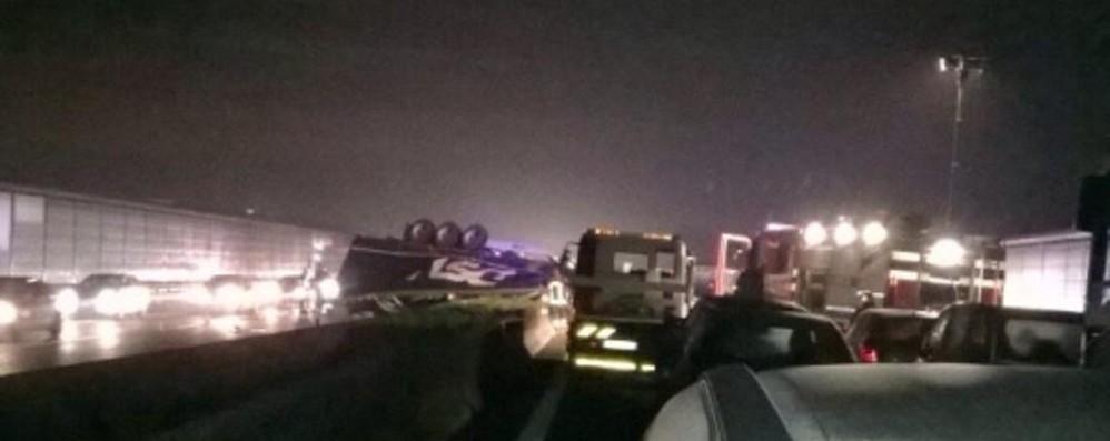 Brescia, muoiono macedone e milanese Riaperta a tarda sera l'A4  a Brescia Ovest