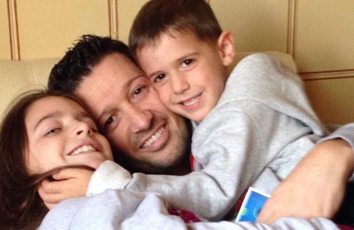 Mirko Gazzaniga con i figli Nicole e Nicholas