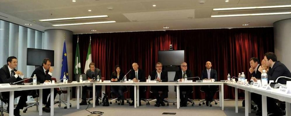 Maroni: al lavoro h24 per l'emergenza Speriamo di alleviare i disagi da lunedì