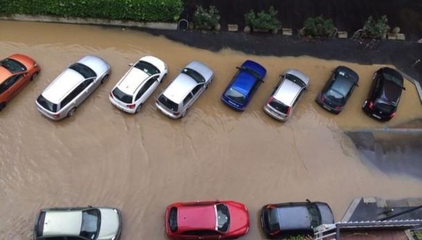Milano,continua a piovere, esonda Seveso