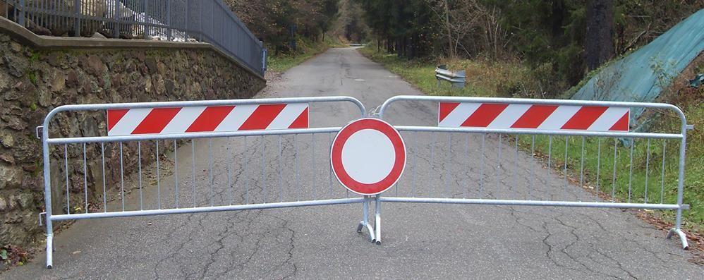 Frane, due strade chiuse Restano isolate 188 persone