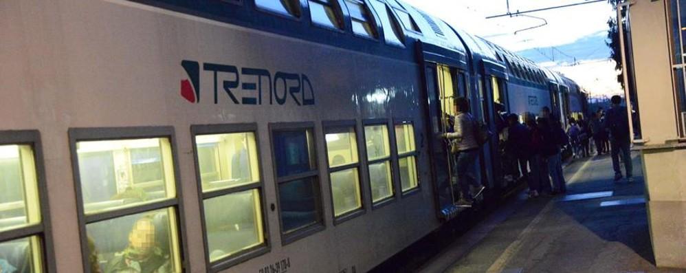 La pelle dei pendolari e le guerre Trenord