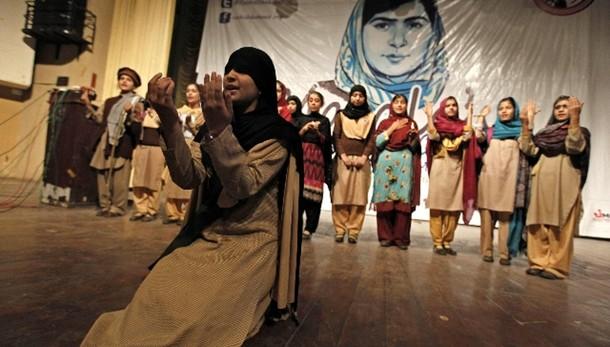 Malala alle donne pachistane: Lottate