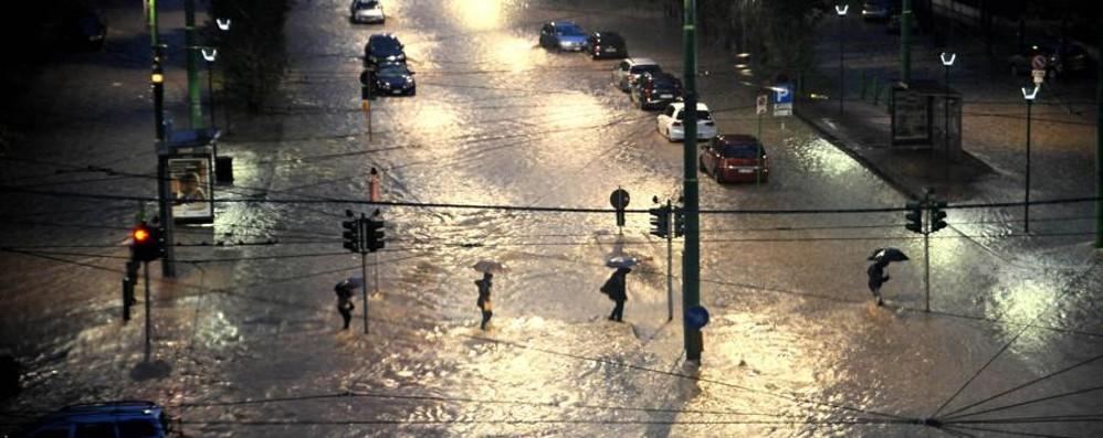 Maltempo e danni in Lombardia «Chiederemo lo stato d'emergenza»