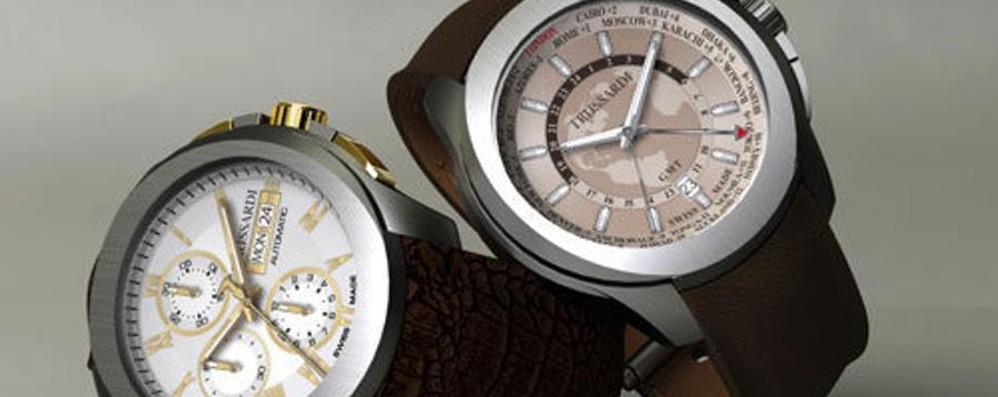 Trussardi, gli orologi con Morellato Per Natale le cover con il levriero