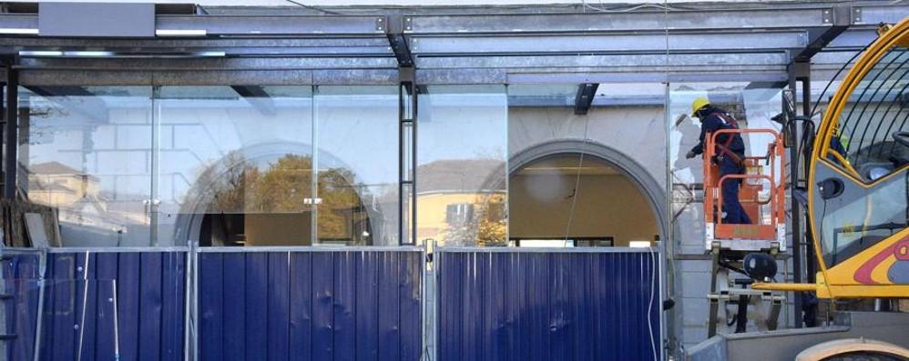 Dopo le rassicurazioni i lavori Montate le vetrate alla stazione