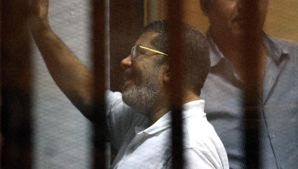 Egitto, chiesta pena di morte per Morsi