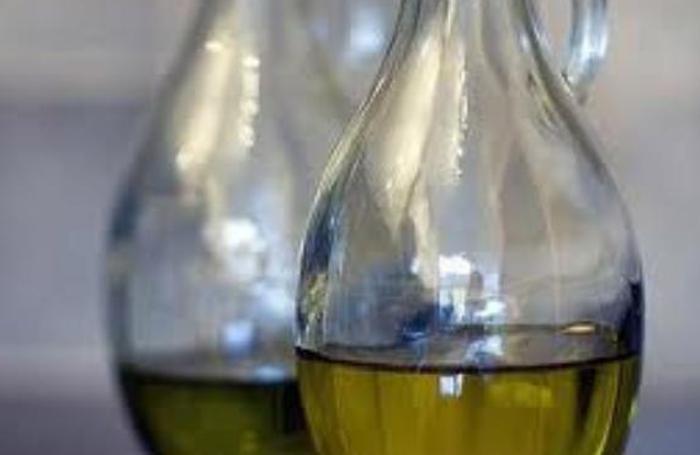 Addio alle vecchie oliere senza tappo anti rabbocco