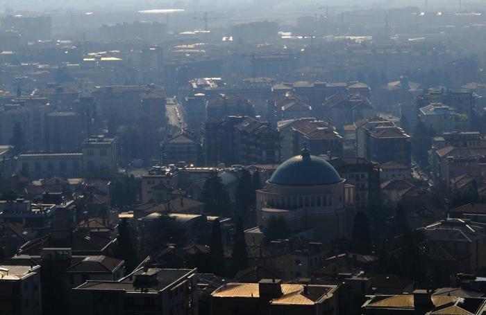 Un panorama di Bergamo