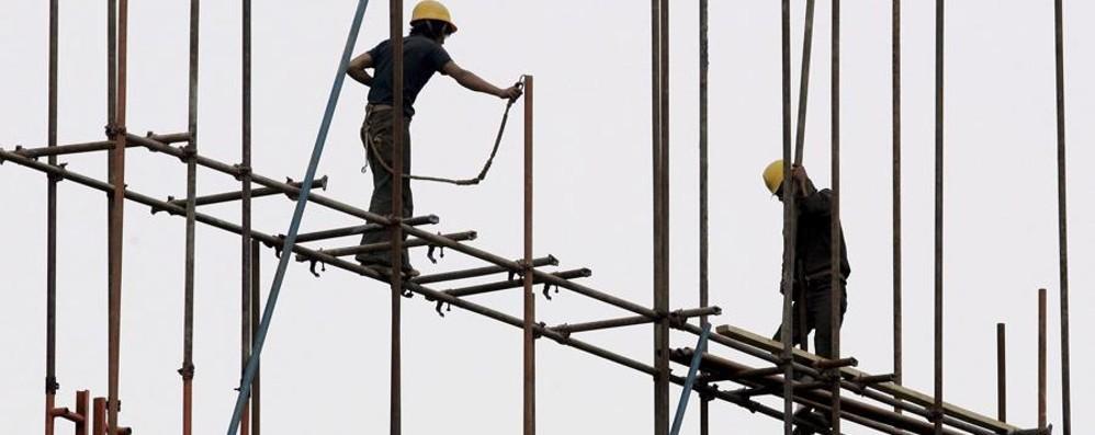 Edilizia, allarme dei sindacati: nei cantieri sempre più partite Iva