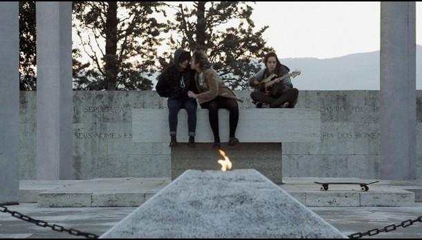 Frastuono, giovani tra musica e silenzi