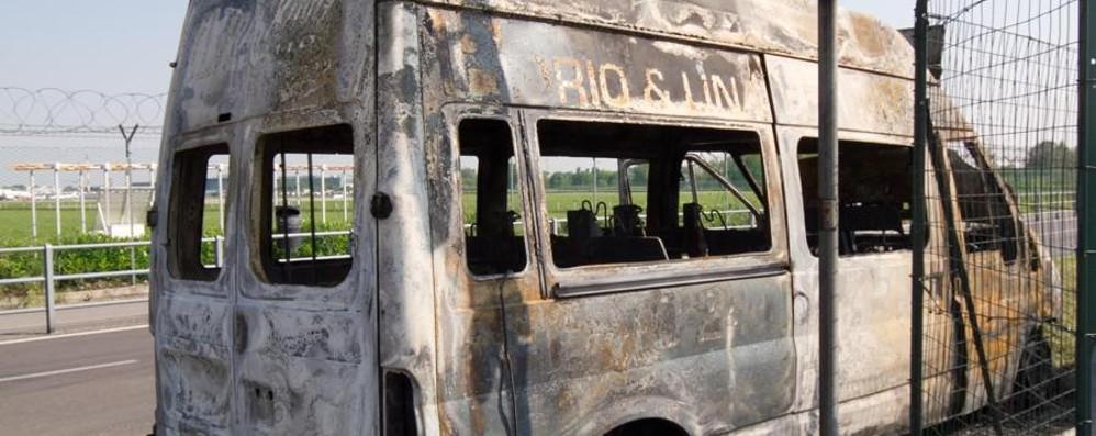 Roghi e  agguati al «Fly parking» Quattro condannati per gli attentati