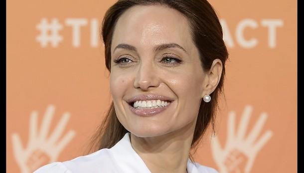 Jolie, aperta a un futuro in politica