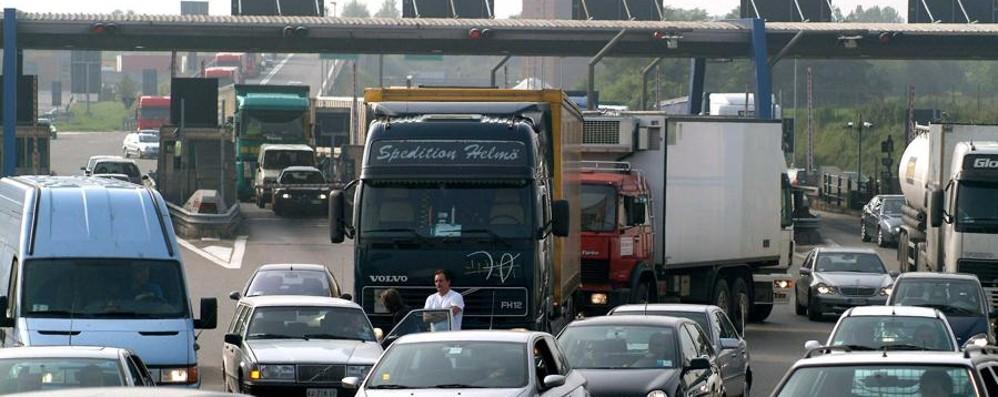 Lavori in autostrada per due notti Chiude il casello di Bergamo
