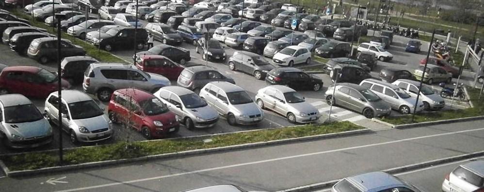 Parcheggio dell'ospedale: la beffa Sono dieci centesimi in più all'ora