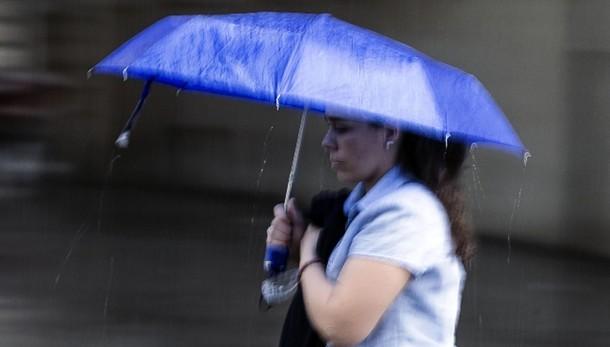 Allerta meteo, domani scuole chiuse