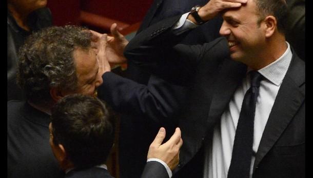 Ast: Vendola, Alfano vada via,ha mentito